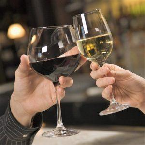 Учись, мой друг, вино ценить